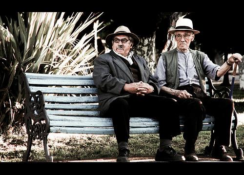 Kontuak garbi, adiskideak zahar (FlickrCC,  Lucas Ninno)